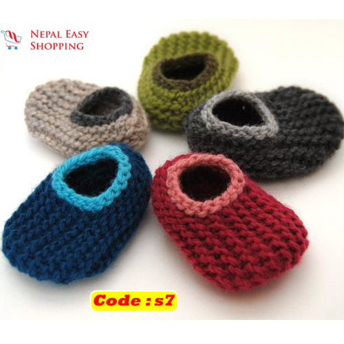 Handmade Newborn Knit Acrylin Different color Shoes, Soft Acrylic Baby Booties, Baby Girl Welcome Gift,Newborn Girl Shower Gift